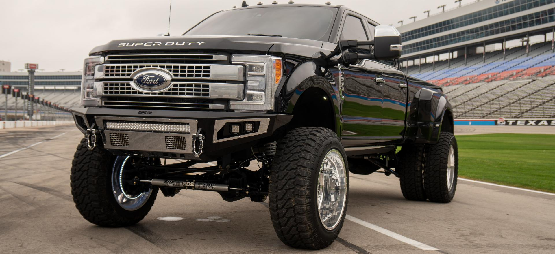 <h2 style='color:#FFFFFF !important;                                              '>The TY Hobbs #TAKE3 Build</h2>                                             <span class='slideDesc'>2019 F350 Platinum running BDS Suspension 8\' long arm coilover lift, Bodyguard Bumpers A2L</span>